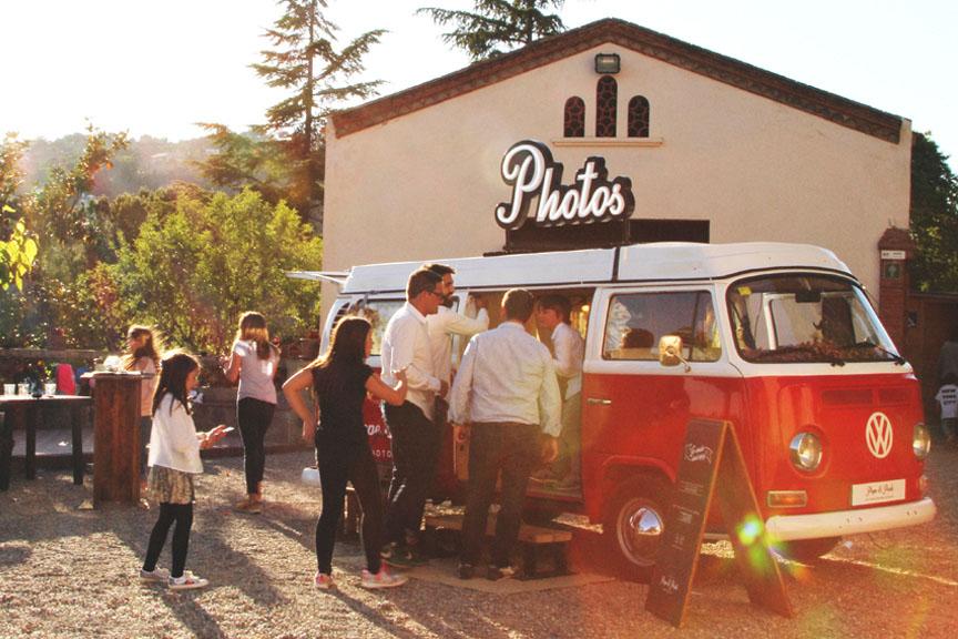 phototruck-fotomaton-barcelona-cataluña-vintage-boda-wedding-photobooth-booth-photocall-eventos-events-cumpleaños-vero-can-borrell-masia-catalana-aniversari-