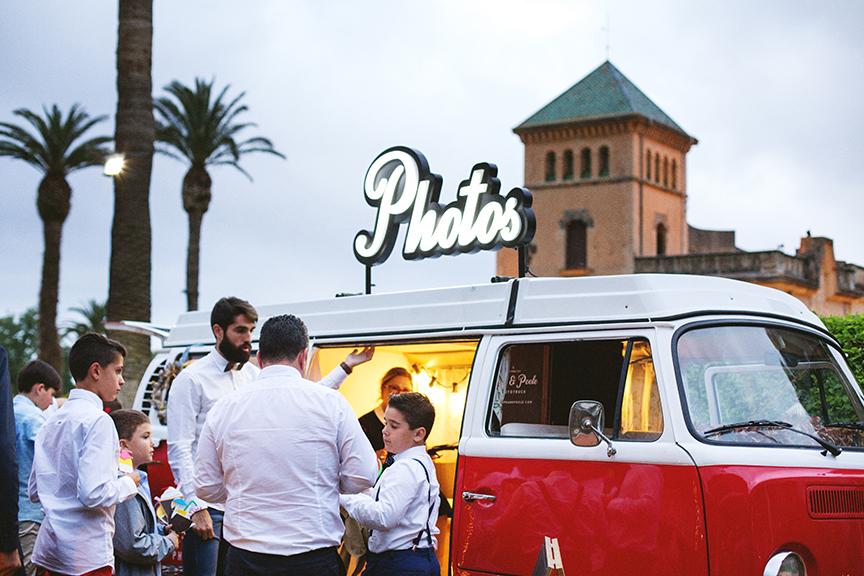 phototruck-fotomaton-barcelona-catalunya-vintage-boda-wedding-photobooth-booth-photocall-eventos-events-heretat-sabartes-tarragona-masia
